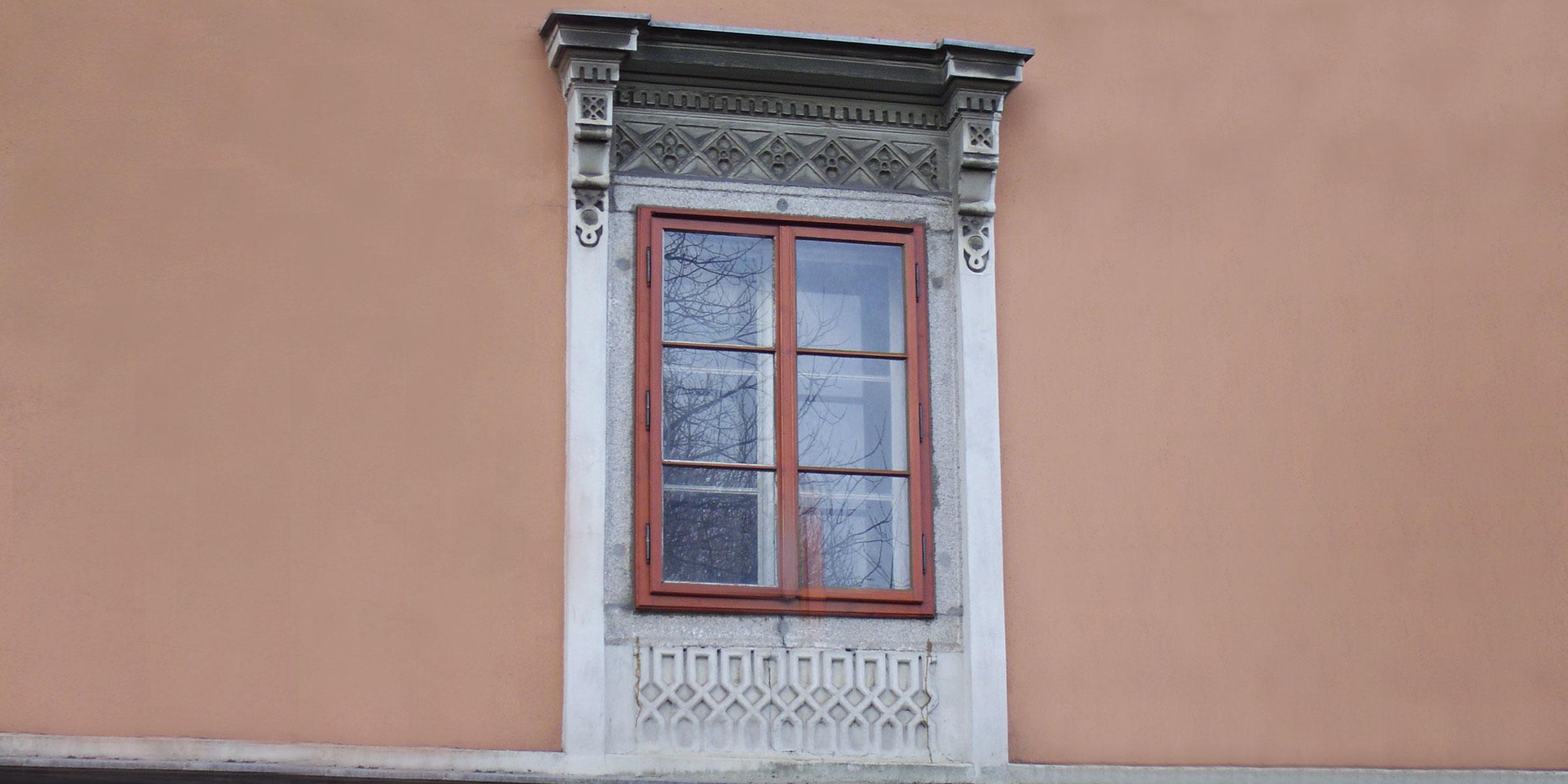 Fenster historisch Stuck Fassade Stuckfassade Fensterstuck Tischler Hans Hummer Feldkirchen an der Donau